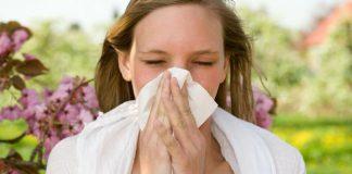 jak objawia się alergia na pyłki?