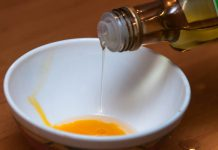 Jak działa nafta kosmetyczna?