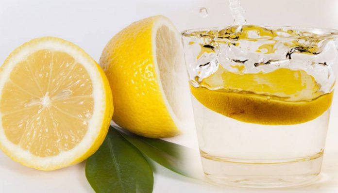Jak przygotować wodę z cytryną?