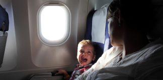 Dlaczego dziecko krzyczało przez cały lot?