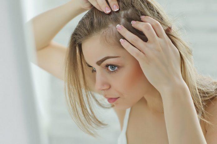Z czym związane jest wypadanie włosów po ciąży?